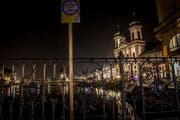 Dieser SelfiePoint in der Stadt Luzern soll wohl auf die Kapellbrücke im Hintergrund (und nicht auf die Jesuitenkirche rechts) hinweisen. (Bild: PD)