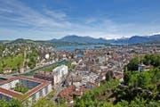 Bisher spüren nur wenige Mieter im Kanton Luzern die Abschaffung der Liegenschaftssteuer und den tiefen Referenzzinssatz im Portemonnaie. (Bild Philipp Schmidli)