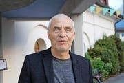 Der Luzerner Journalist Robert Bossart wurde mit dem Hauptpreis geehrt. (Bild: Markus Zwyssig)