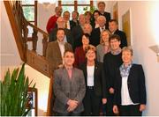 Die Ratsbüros Thurgau und Uri beim Gruppenbild im Rathaus. Die Delegationen standen unter der Leitung von Gallus Müller, Grossratspräsident (2. von unten rechts), und Landratspräsidentin Frieda Steffen (unten rechts). (Bild: PD)