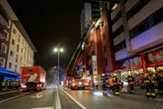 Die FFZ stand mit einem Grossaufgebot im Einsatz. (Bild: Freiwillige Feuerwehr Zug)