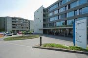 Blick auf zwei Gebäude des Betagtenzentrums Eichhof. (Bild: Dominik Wunderli / Neue LZ)