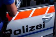 Die Polizei sucht Zeugen. (Symbolbild Neue ZZ)