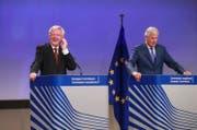 EU-Chefverhandler Michel Barnier, rechts, und Brexit-Minister David Davis. (Bild: Olivier Hoslet/EPA (Brüssel, 31. August 2017))