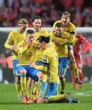 Er soll Schweden an der EM zum Erfolg führen: Ballzauberer Zlatan Ibrahimovic (vorne). (Bild: Getty/Alex Livesey)