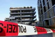 Die Attika-Wohnung am Eschenring in Zug: Hier wurden im Februar 2009 zwei Frauen tot in ihrer Wohnung aufgefunden. Nun steht der Täter vor dem Zuger Obergericht. (Bild: Archiv)