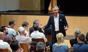 Ruedi Zahner sprach an der Kantonsschule Zug darüber, welche Qualitäten ein Trainer haben muss.
