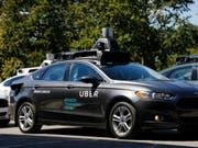 Die fahrerlosen Uber-Autos sind mit Lasertechnik, Sensoren und Kameras ausgestattet. (Bild: Keystone/AP/GENE J. PUSKAR)