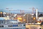Rege Bautätigkeiten in Emmen (Bild: Dominik Wunderli (Emmenbrücke, 26. Februar 2016))