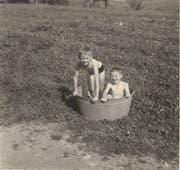 Nicht immer ist die Kindheit so unbeschwert wie auf diesem Foto von Autor Peter Weingartner. (Bild: PD/Privat)