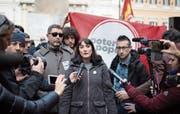 Die politische Chefin Viola Carofalo von der linksradikalen Bewegung Potere al Popolo («Macht dem Volk») steht vor dem Einzug ins nationale Parlament. Sie will sich der Sorgen annehmen, welche die anderen etablierten Parteien verschweigen.