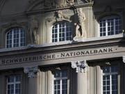 Weiteres Zuwarten: Die Schweizerische Nationalbank belässt ihre Geldpolitik unverändert. (Archiv) (Bild: KEYSTONE/PETER KLAUNZER)