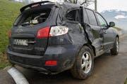Das Auto hatte den Vorfall nicht schadlos überstanden. (Bild: Kantonspolizei Zug)
