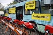 Auch beim Bahnhof Zug steht ein kostenloser Veloverleih bereit. (Bild: PD)