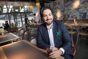 Welches ist die Lieblingsbeiz der Stadtratskandidaten? Sina Khajjamian wählte das Restaurant Tibits. Im Gegensatz zur Regierung habe es den Zeitgeist erkannt. (Bild Eveline Beerkircher)