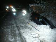 Das Auto landete in einem Bachbett. (Bild: PD)