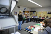 Aufnahme aus einer Englischstunde im Kollegi Stans vom November 2010. (Symbolbild Neue NZ)
