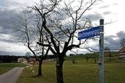 Die Baubewilligung ist erteilt. In Fischbach soll das neue Asylzentrum entstehen. (Bild: Nadia Schärli / Neue LZ)