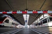 Kein Zugang zu den SBB-Gleisen im Bahnhof Luzern. (Bild: René Meier (Luzern, 23. März 2017))