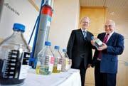 Olaf J. Böhme von Idee Suisse und der Chamer Unternehmer Urs A. Weidmann. Bild: Stefan Kaiser (Cham, 29. September 2016)