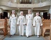 Von links: Angela, Alexia, Janine und Lars fühlen sich bereit für die Erstkommunion. (Bild: Corinne Glanzmann (Buttisholz, 20. April 2017))