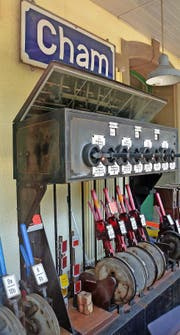 Eine wahre Rarität: das noch funktionstüchtige Hebelstellwerk «Bruchsal G/H» im Bahnhof Cham. (Bild Andreas Faessler)