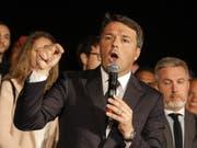 Der frühere italienische Ministerpräsident Matteo Renzi wurde am Sonntag wieder zum Chef der regierenden Demokratischen Partei (PD) gewählt. (Bild: KEYSTONE/EPA ANSA/GIUSEPPE LAMI)