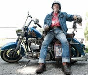 Angy Burri auf seiner Harley-Davidson. (Archivbild Neue LZ)