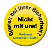 Das Anbringen der Anti-Spar-Buttons an den Uniformen ist den Polizisten untersagt worden. (Bild: PD)