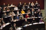 Der Regierungsrat hat eine Begleitgruppe für das Konsolidierungsprogramm 2017 aus Kantonsräten und Verbandsmitgliedern zusammengesetzt. Im Bild: Budgetdebatte für 2016 im Kantonsrat am 07.12.2015 (Bild: Jakob Ineichen / Neue LZ)