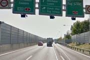 Die Autobahn A2 zwischen Emmen-Nord und Emmen Süd (Bild: Google Street View)