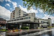 Aussenansicht des Kantonsspital Luzern in Sursee. (Bild: Boris Bürgisser (Sursee, 15. Juni 2016))