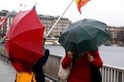 Udo und Volkmar sorgen in der Schweiz für Regen und Sturm. (Symbolbild Keystone)