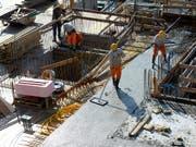 Die Bauwirtschaft hat im ersten Quartal weniger Aufträge erhalten (Archiv) (Bild: URS FLUEELER (KEYSTONE))