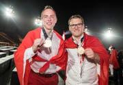 Die beiden Goldmedaillengewinner aus der Zentralschweiz: Simon Furrer (Gunzwil, links) und Cédric Achermann. (Bild: Swiss Skills/Michael Zanghellini)