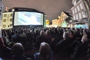 Kino unter freiem Himmel auf dem Lehn / Unterlehn in Altdorf. (Bild: Urs Hanhart / Neue UZ)