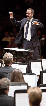 Hervé Grélat, Dirigent des Blasorchesters Stadtmusik Luzern. (Bild: Manuela Jans-Koch)