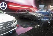 Die C- und E-Klasse von Mercedes-Benz gibt es nun in einer Diesel-Hybrid-Version. (Bild: Bruno Knellwolf)