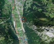 In diesem Gebiet drohte der Gleitschirmpilot an die Felswand zu prallen, worauf er zur Notlandung ansetzte. (Bild: maps.search.ch)