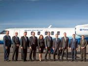 """""""World's First PC-24"""" steht auf dem Jet aus dem Hause Pilatus: Das Unternehmen PlaneSense hat in Colorado den ersten Flieger der neuen Reihe erhalten. (Bild: Pilatus)"""