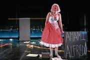 US-Sopranistin Nicole Chevalier bündelt in der Hauptrolle das gesamte Geschehen in allen Facetten. (Bild: Ingo Hoehn/Luzerner Theater)