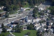Blick auf das Dorf Bondo am Freitagnachmittag. (Bild: Gian Ehrenzeller / Keystone (Bondo, 25. August 2017))
