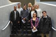 Teilnehmer des Schnupperstudiums mit Studierenden und Vertreterinnen und Vertretern der Universität Luzern sowie des SAH Schweizerisches Arbeiterhilfswerk Zentralschweiz. (Bild: Uni Luzern)