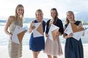 Sie sind vier von insgesamt 129 frisch diplomierten Lehrpersonen auf der Primarstufe und dürfen in Zukunft unterrichten: Julia Meier (v.l.n.r.), Chantal Frei, Julia Sarah Wüest und Eliane Pfister.