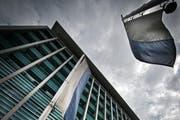 Das parlamentarische Oberaufsichtsgremium fordert von der Regierung mehr Einflussnahme und Kontrolle. Im Bild das Polizeigebäude in Luzern. (Bild: Pius Amrein / Neue LZ)