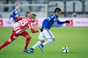 Der Luzerner Dario Lezcano (rechts) ist Andreas Wittwer vom FC Thun einen Schritt voraus. (Bild: Keystone / Dominik Baur)