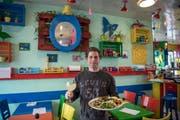 Armando Martinez ist Pächter des Restaurants Peacefood an der Maihofstrasse in Luzern. (Bild: Pius Amrein/LZ (Luzern, 9. März 2018))