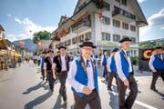 Nun erobern Jodler und ihre Entourage das Entlebuch: Augenschein an der gestrigen Eröffnung des Zentralschweizerischen Jodlerfests in Schüpfheim. (Bild Pius Amrein)