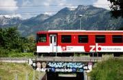 Die Bahnstrecke zwischen Sarnen und Meiringen bleibt vom 11. April bis 29. April gesperrt. (Bild: Corinne Glanzmann/Neue LZ)