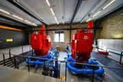 Die zwei neuen Maschinen in der Kraftwerkszentrale der Kraftwerk Gurtnellen AG. (Bild: PD)